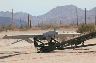 An RQ-7 Shadow unmanned aerial vehicle ready to launch.の写真素材 [FYI02696414]