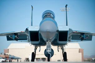 A U.S. Air Force F-15D Eagle taxis to the runway.の写真素材 [FYI02696467]