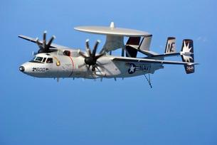 An E-2C Hawkeye in flight over the Arabian Sea.の写真素材 [FYI02696501]