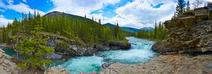 Falls rushing through rocky landscapeの写真素材 [FYI02698359]