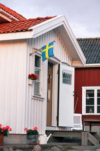 Sweden, Bohuslan, Tjorn, Facade of traditional Swedish buildの写真素材 [FYI02699492]