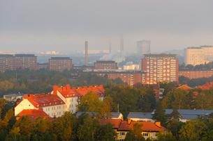 Sweden, Uppland, Lidingo, Cityscape at morningの写真素材 [FYI02700624]