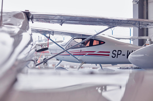 Small airplane in hangarの写真素材 [FYI02701926]