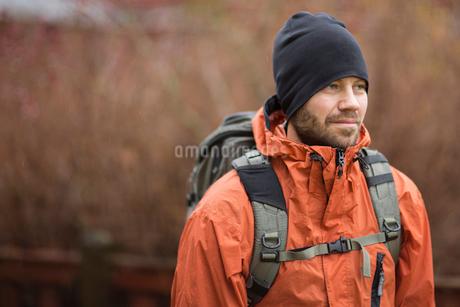 Sweden, Vasterbotten, Umea, Bearded hiker looking awayの写真素材 [FYI02703811]