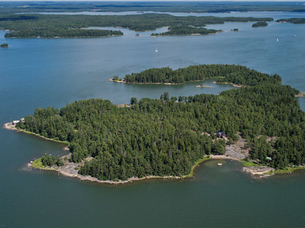 Finland, Uusimaa, Porkkala, Aerial view of islandの写真素材 [FYI02704087]
