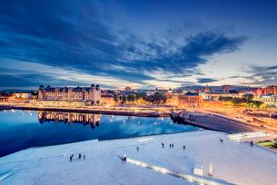 Norway, Oslo, Bjorvika, Operahuset at sunsetの写真素材 [FYI02704290]