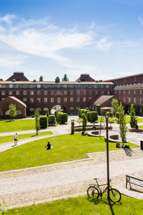 Sweden, Stockholm, Royal Institute of Technology with parkの写真素材 [FYI02704586]