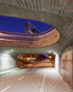 Sweden, Skane, Lund, Ideon Science Park, Road under bridge with building in backgroundの写真素材 [FYI02704768]