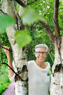 Sweden, Gotaland, Vastra, Portrait of senior womanの写真素材 [FYI02704840]