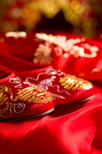 Traditional Chinese wedding elementsの写真素材 [FYI02704904]