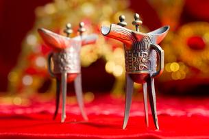 Traditional Chinese wedding elementsの写真素材 [FYI02704908]
