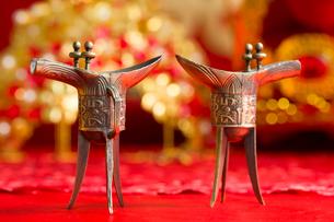 Traditional Chinese wedding elementsの写真素材 [FYI02704941]