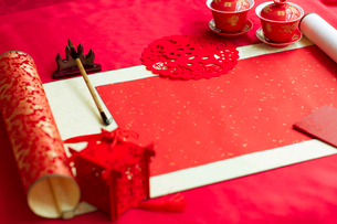 Traditional Chinese wedding elementsの写真素材 [FYI02704946]