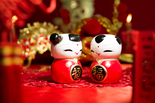 Traditional Chinese wedding elementsの写真素材 [FYI02704957]