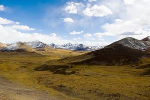 Tanggula mountains in Tibet, Chinaの写真素材 [FYI02704964]
