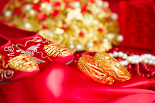 Traditional Chinese wedding elementsの写真素材 [FYI02705012]
