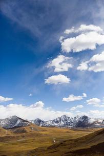 Tanggula mountains in Tibet, Chinaの写真素材 [FYI02705054]