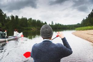 Man rowing in Vasterbotten, Swedenの写真素材 [FYI02705412]