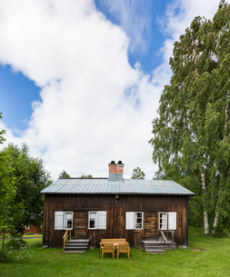 Wooden house in Bonnstan, Swedenの写真素材 [FYI02705522]