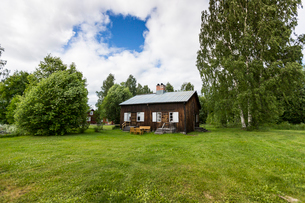 Wooden house in Bonnstan, Swedenの写真素材 [FYI02705588]