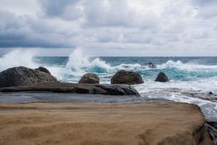 Kenting coast in Taiwan, Chinaの写真素材 [FYI02705630]