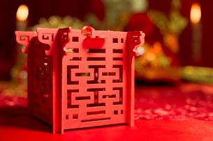 Traditional Chinese wedding elementsの写真素材 [FYI02705671]