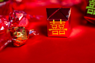 Traditional Chinese wedding elementsの写真素材 [FYI02705677]