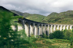 Glenfinnan Viaduct in Scotlandの写真素材 [FYI02705987]