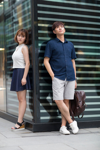 Young couple being difficult with each otherの写真素材 [FYI02706149]
