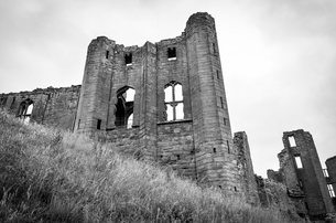 Exterior view of medieval keep of Kenilworth Castle, Warwickshire.の写真素材 [FYI02706213]
