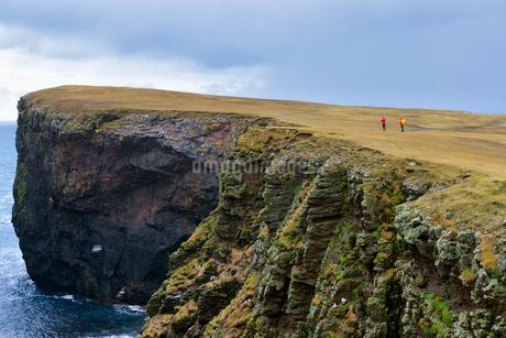 Rocky coastline in Shetland, Scotlandの写真素材 [FYI02706450]