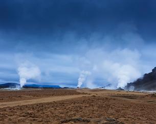 Iceland, Norourland eystra, Hverarond field and Namafjallの写真素材 [FYI02706487]