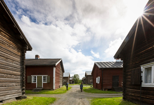 Wooden houses in Bonnstan, Swedenの写真素材 [FYI02706664]
