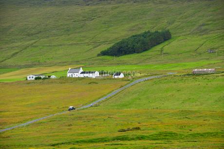 Rural scene in Shetland, Scotlandの写真素材 [FYI02706784]