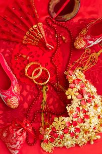 Traditional Chinese wedding elementsの写真素材 [FYI02706886]