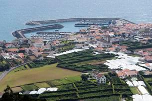 View of Vila Franca do Campo, Sao Miguel, Azores, Portugalの写真素材 [FYI02707023]