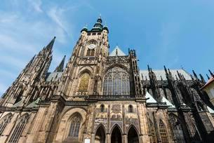 St. Vitus Cathedral, Hradcany in the castle of Pragueの写真素材 [FYI02707067]