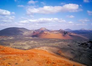 Volcanoes, Montanas del Fuego, Timanfaya National parkの写真素材 [FYI02707098]