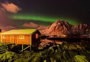 Fisherman's House, Rorbuer fishermen's cabin in Svolvaerの写真素材 [FYI02707103]