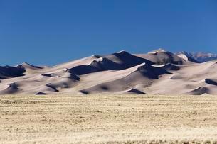 Sangre de Cristo Mountains, Great Sand Dunes National Parkの写真素材 [FYI02707124]