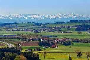 View from Zeil Castle, villages of Haid and Heggelbachの写真素材 [FYI02707169]
