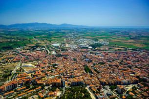 Aerial view, view of the city of Figueres or Figuerasの写真素材 [FYI02707200]