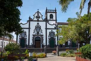 Hospital with Igreja da Misericordia church, Vila Franca doの写真素材 [FYI02707243]