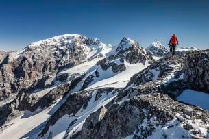 Mountain climbers on the Trafoierjoch Stelvio, Ortlerの写真素材 [FYI02707253]
