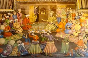 Fresco, banquet with dancing girls, Shah Abbas I receivesのイラスト素材 [FYI02707280]