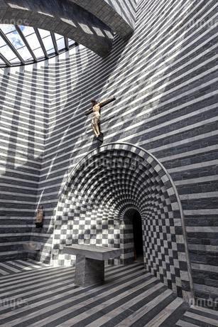 Church of San Giovanni Battista, interior view, architectの写真素材 [FYI02707300]