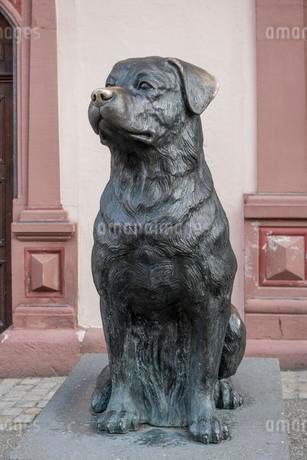 Der Rottweiler, Dog figure, Dog monument, 2005, Rottweilのイラスト素材 [FYI02707357]