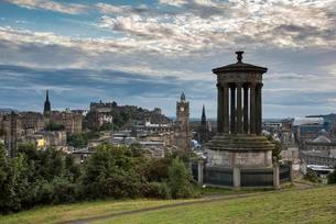 Dugald Stewart Monument, view from Calton Hill acrossの写真素材 [FYI02707424]