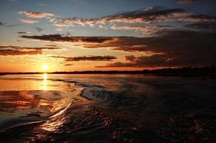 Sunlight fall down into the river; Tongjiang;Jiamusi;Heilongjiang;Chinaの写真素材 [FYI02707435]