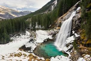 Lower Krimml Waterfall in winter, Krimml, Zell am Seeの写真素材 [FYI02707442]